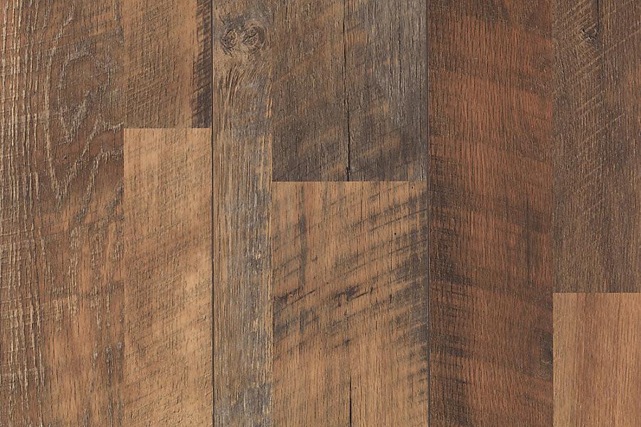 Mohawk Chalet Vista Barnhouse Oak Multi Width Onflooring