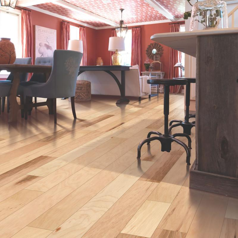 Mohawk Brookedale Uniclic Country Natural Hickory